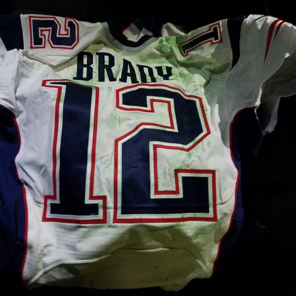 separation shoes 48d1f 4a72f Tom Brady's stolen Super Bowl jersey found in possession of ...