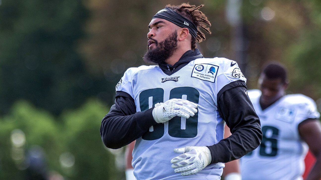more photos f2a5a fc9e7 Brother of Philadelphia Eagles DE Derek Barnett dies in car ...