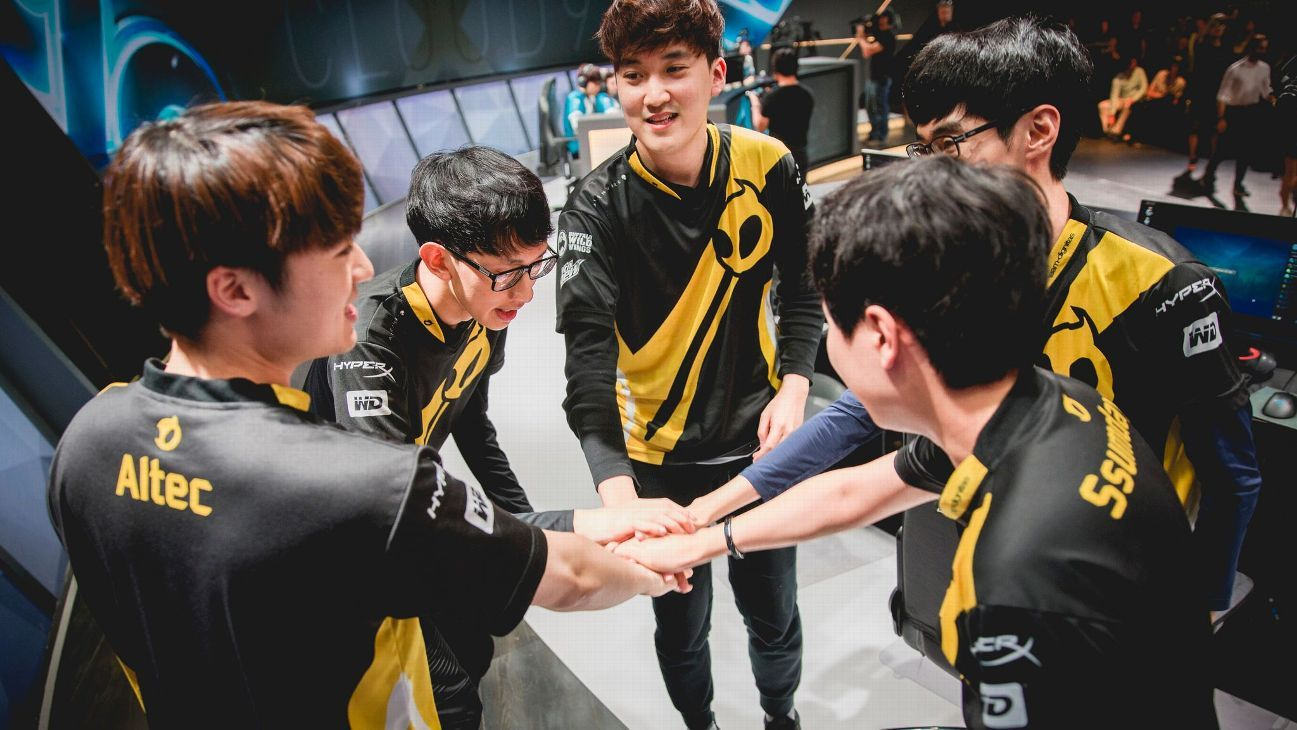 Dignitas return to LCS with acquisition of Clutch Gaming