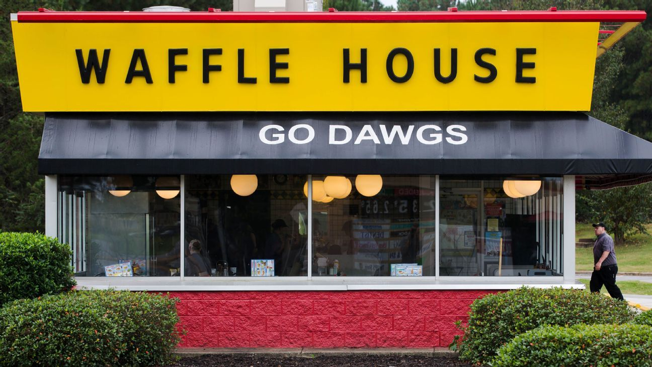College Football Saturday Sec Country At Waffle House