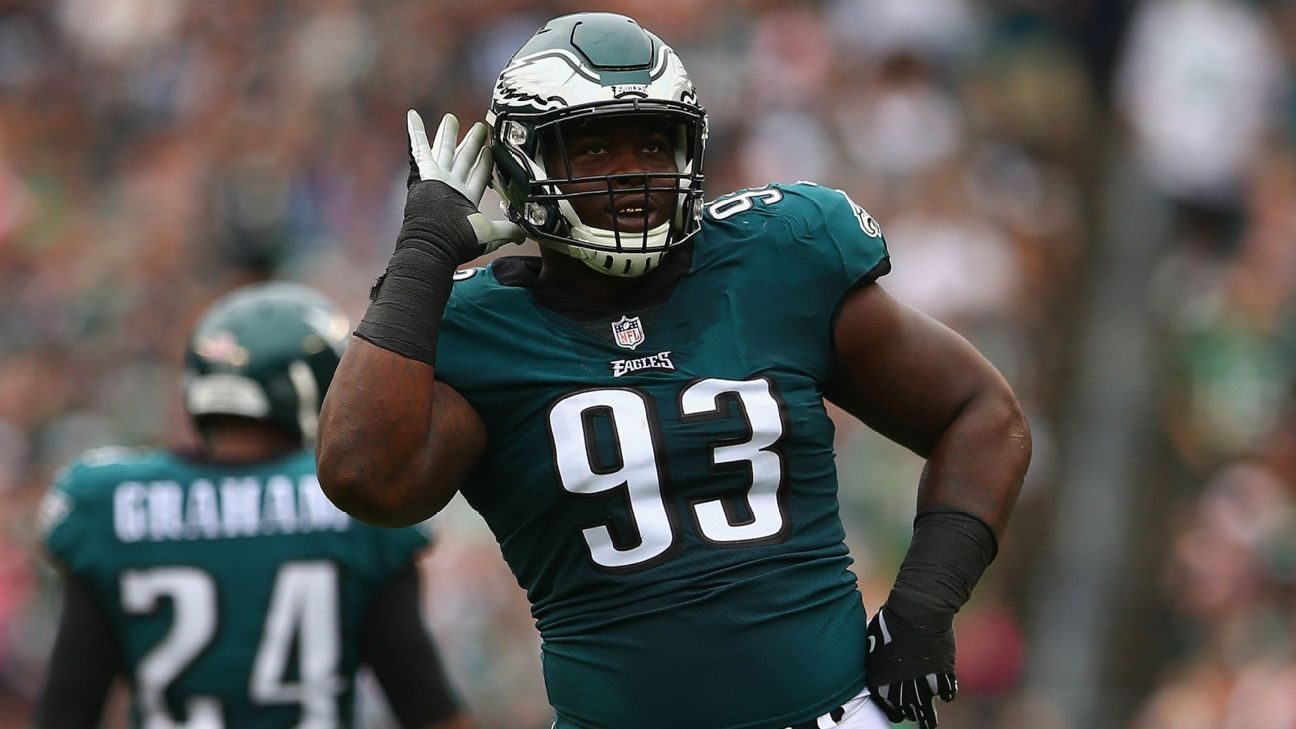 Tim Jernigan, who appeared in just three games last year following offseason surgery to repair a herniated disk, has agreed to a one-year deal to rejoin the Eagles.
