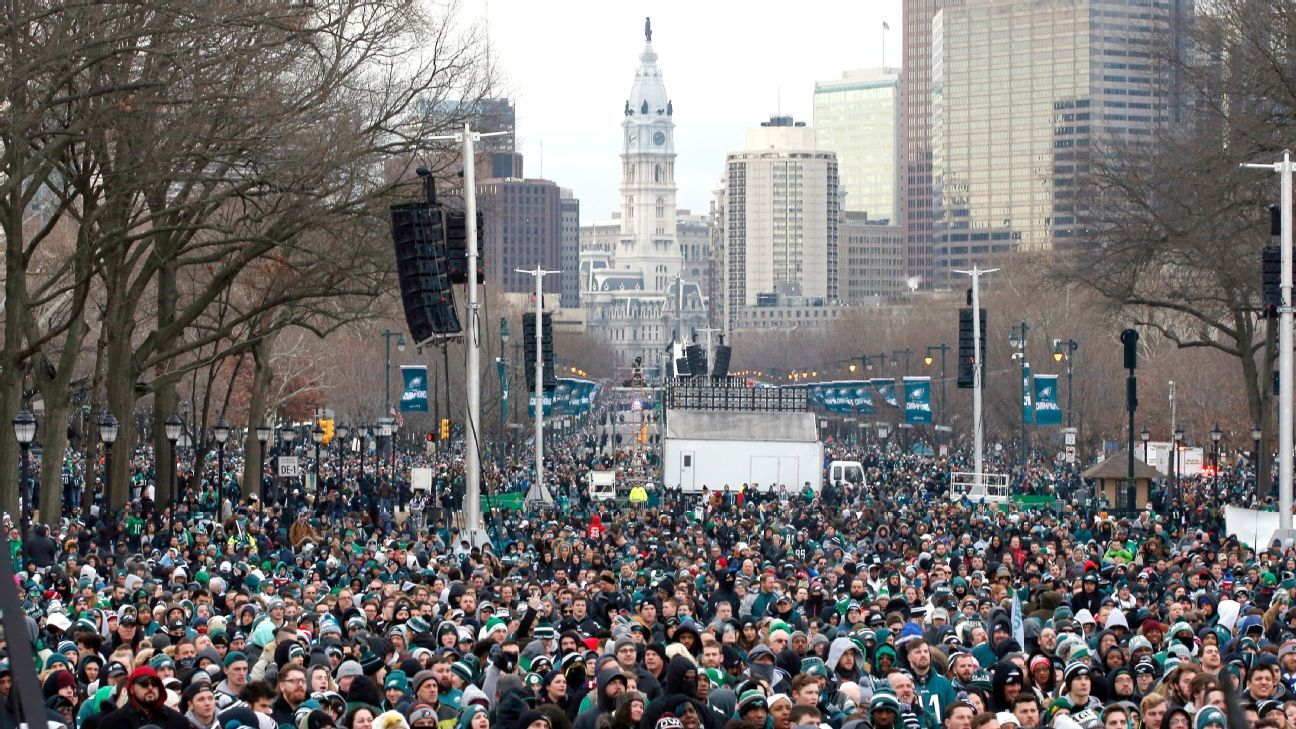 Scenes from the Eagles  Super Bowl parade - Philadelphia Eagles Blog- ESPN 0e48685aa