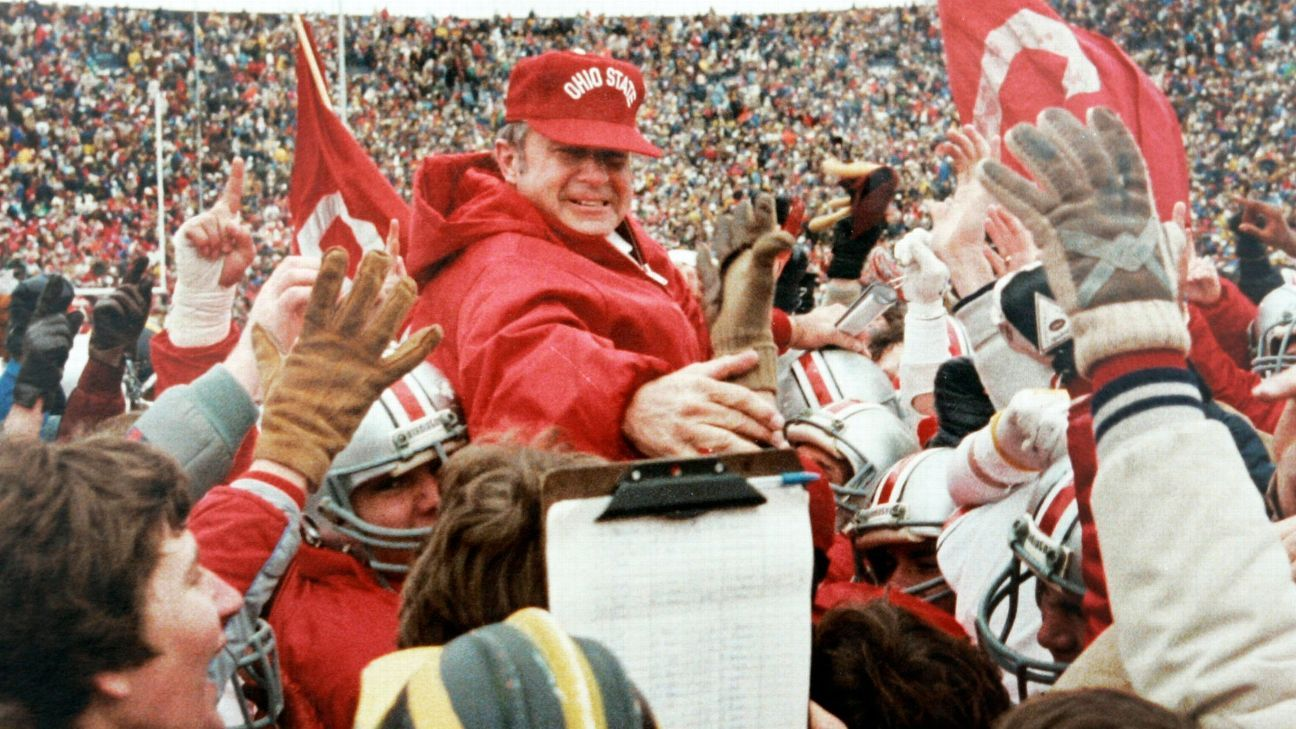 Former Ohio State Buckeyes Coach Earle Bruce Dies At Age 87
