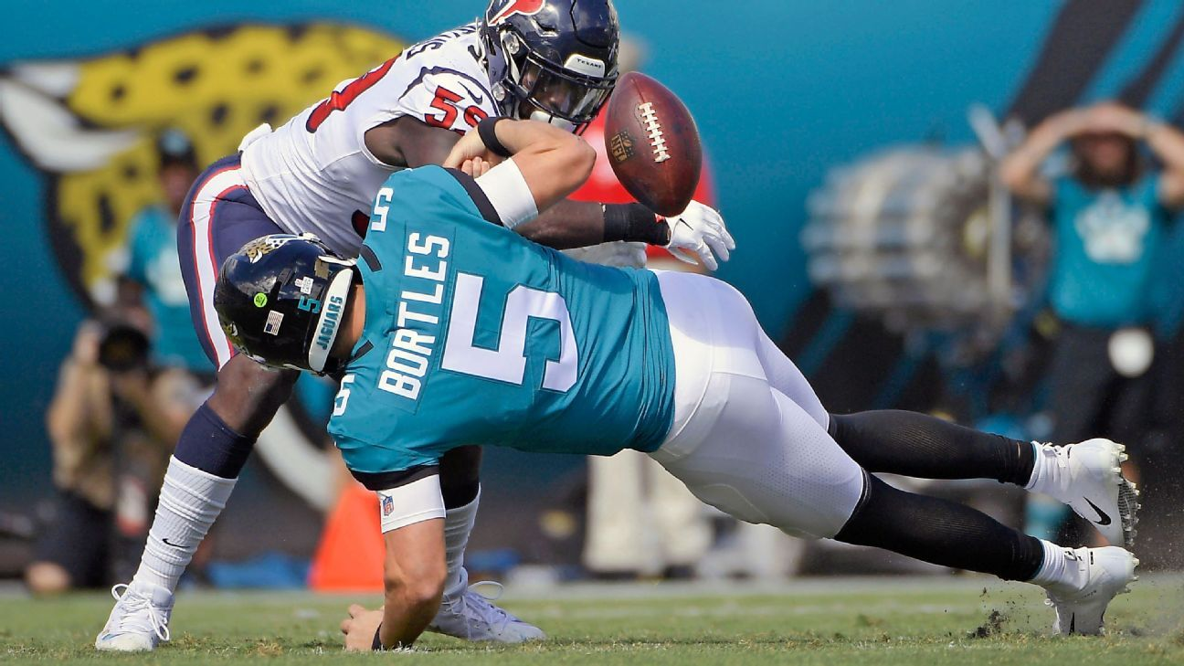 b01a935e Jaguars lose temper in locker room after Blake Bortles benched in loss