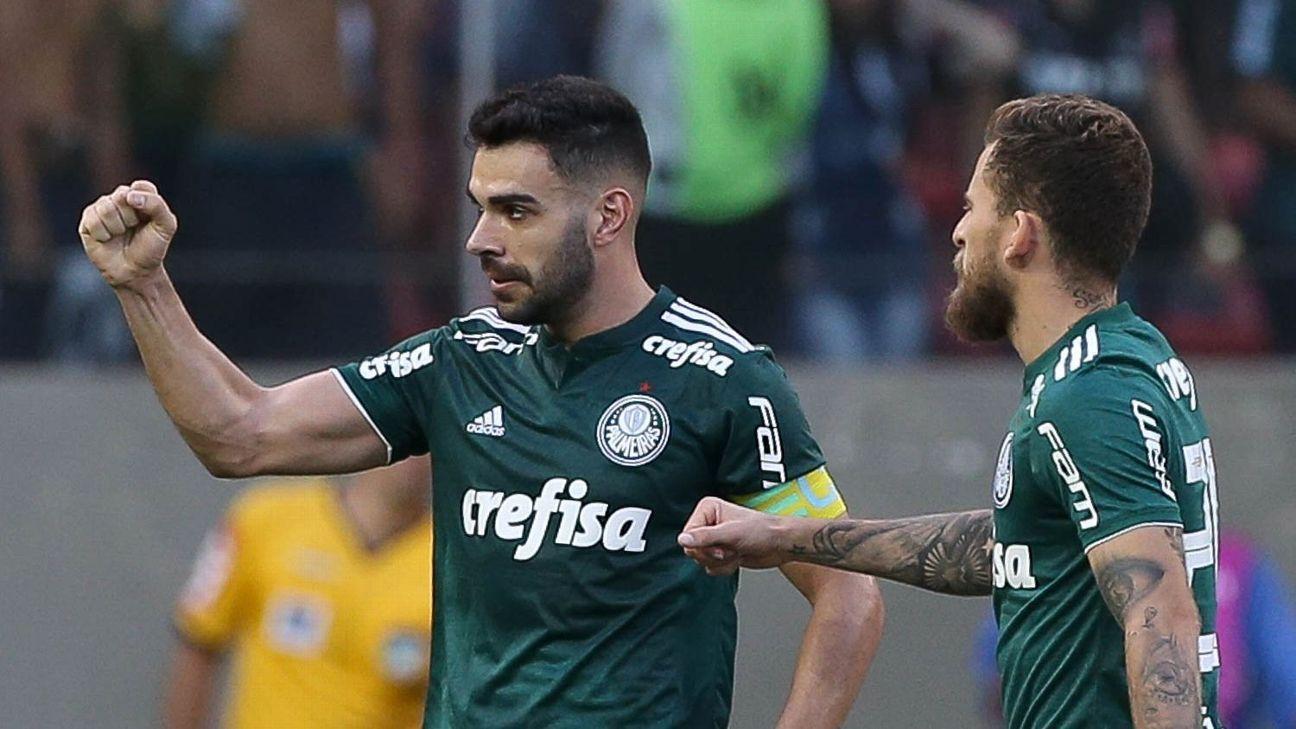 4789190f7c Palmeiras  Sai ou fica  Bruno Henrique faz mistério   Deixo com meus  empresários