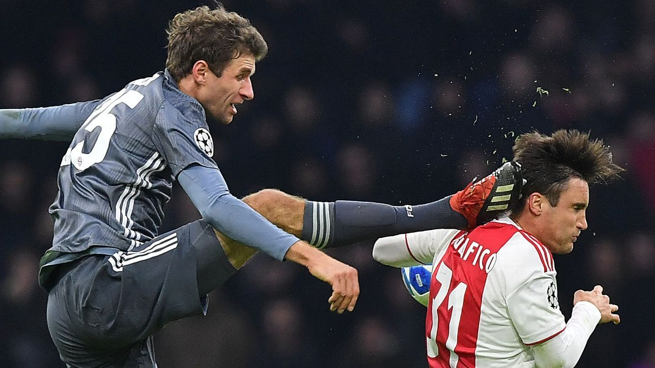 Champions League: Thomas Muller pede desculpas a lateral do Ajax por  entrada violenta na cabeça