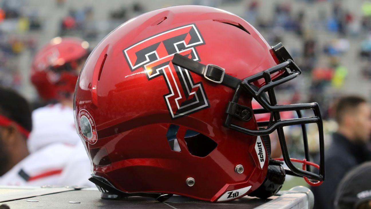 Texas Tech Football Coach Matt Wells Keeps Red Raiders Practicing Despite 21 Active Covid 19 Cases