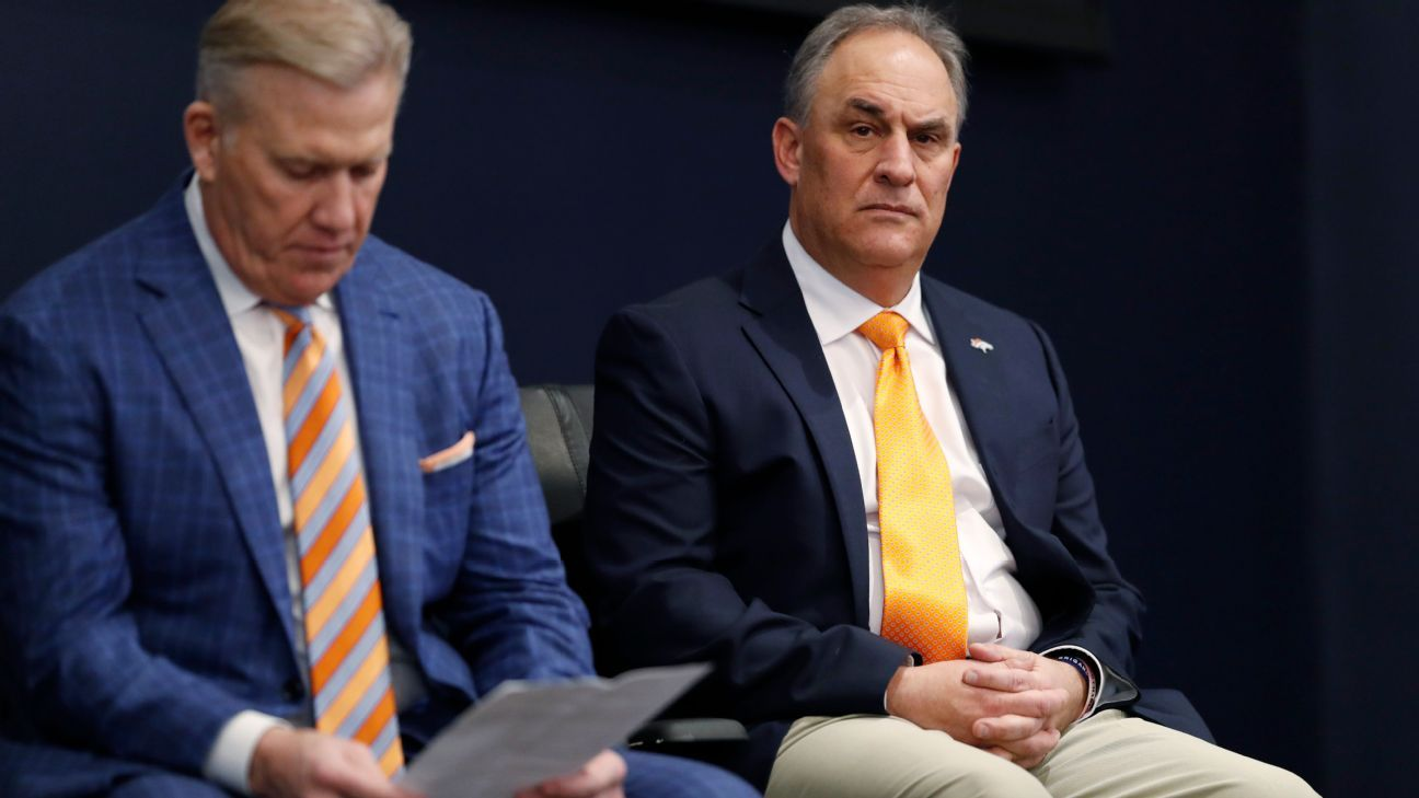 Broncos' John Elway and Vic Fangio need to be on the same page