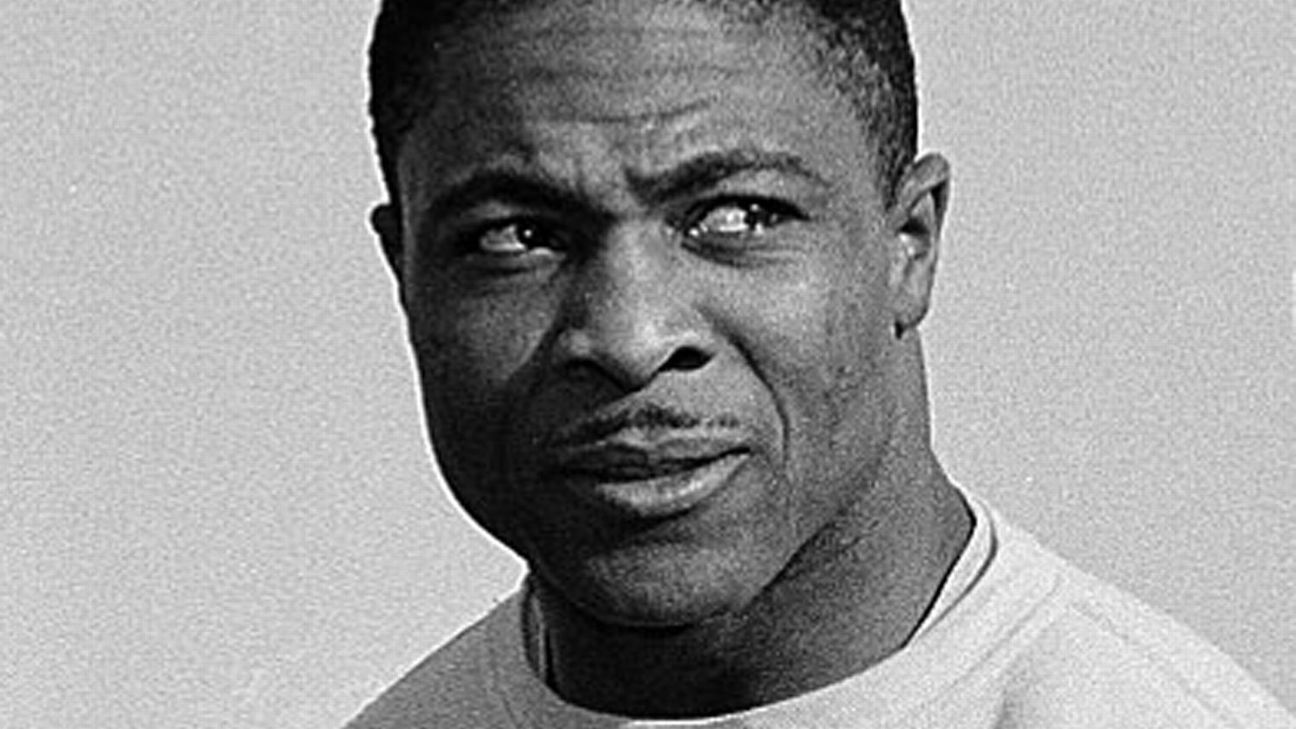 Clem Daniels, a former Oakland Raiders running back, has died at age 83.