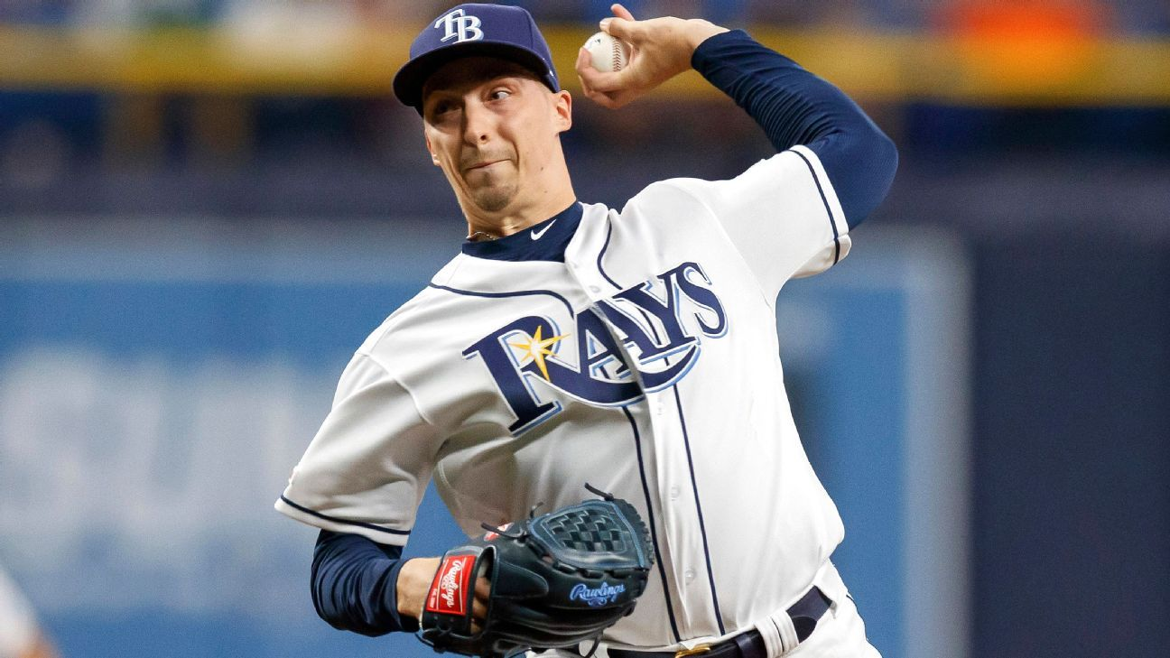 Rays place ace Snell on IL with fractured toe