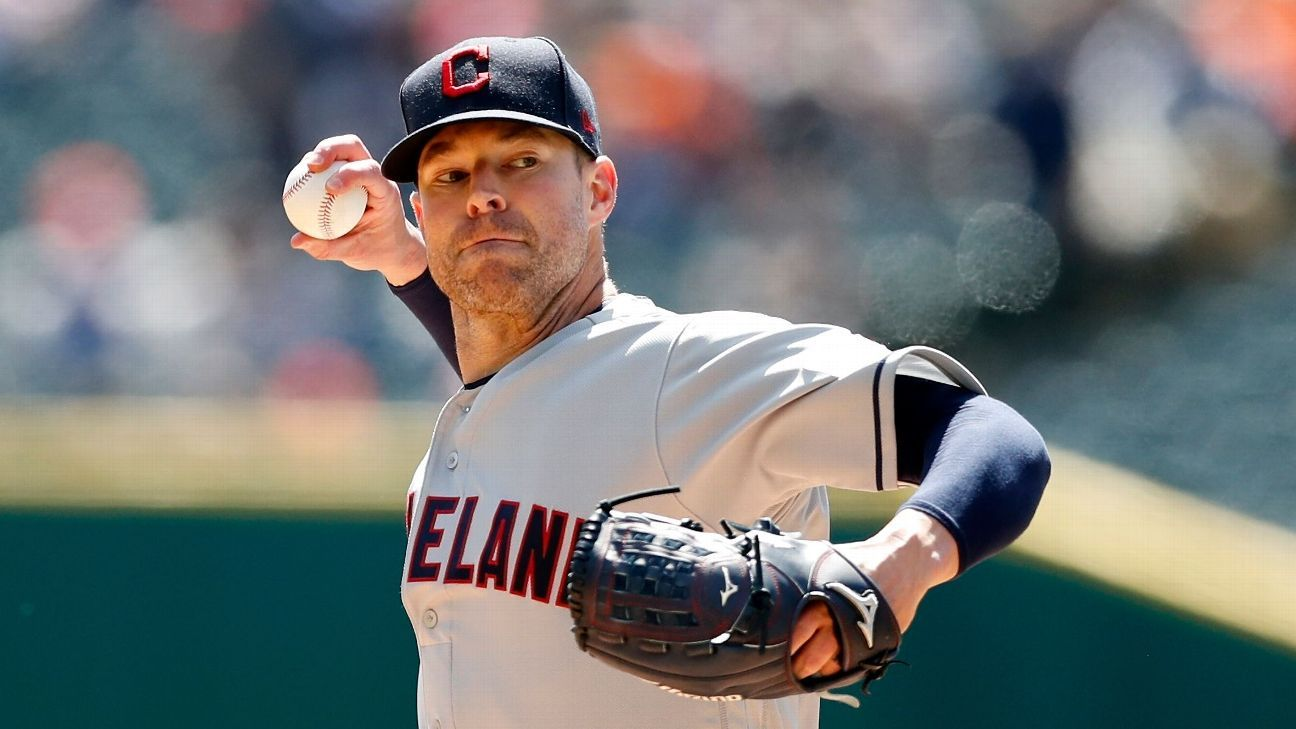 Indians' Kluber has cast removed, progressing