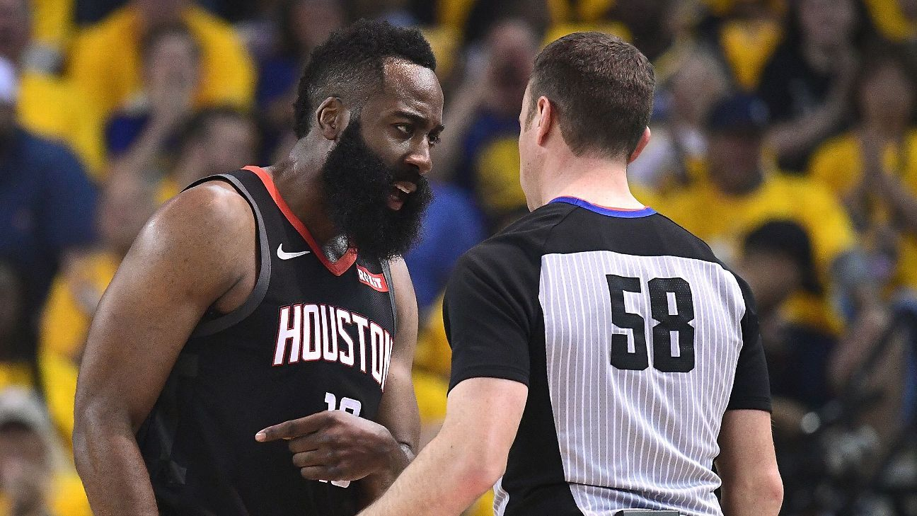 NBA players add to chorus of refereeing complaints on Twitter - ESPN