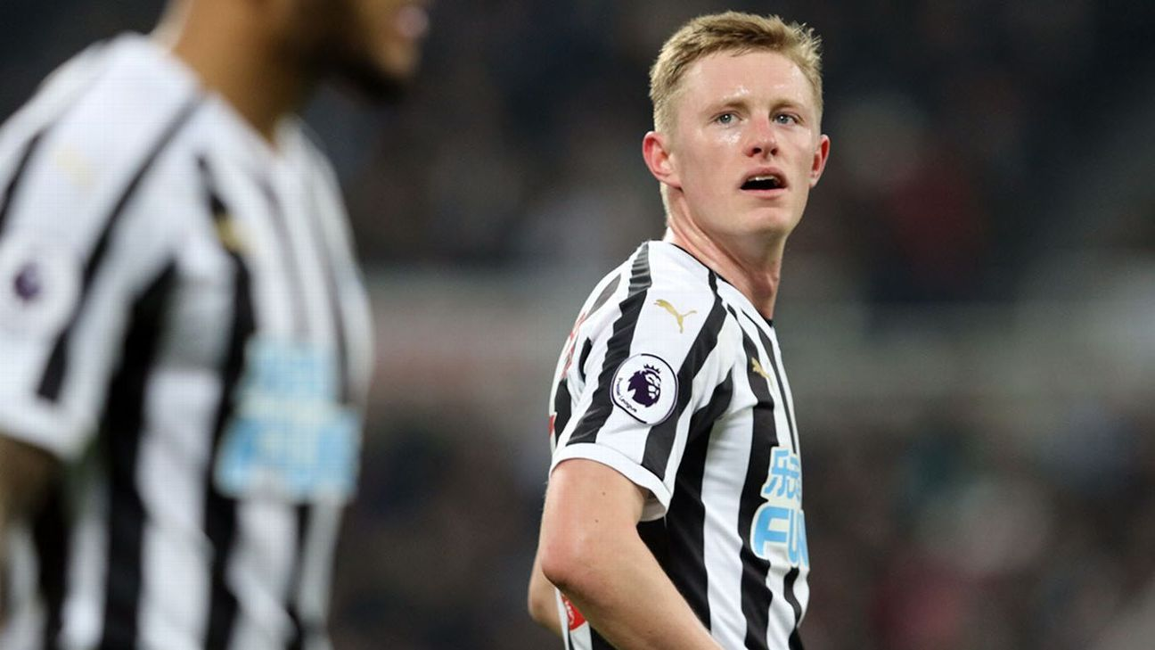 Sources: United set to move for Magpies' Longstaff