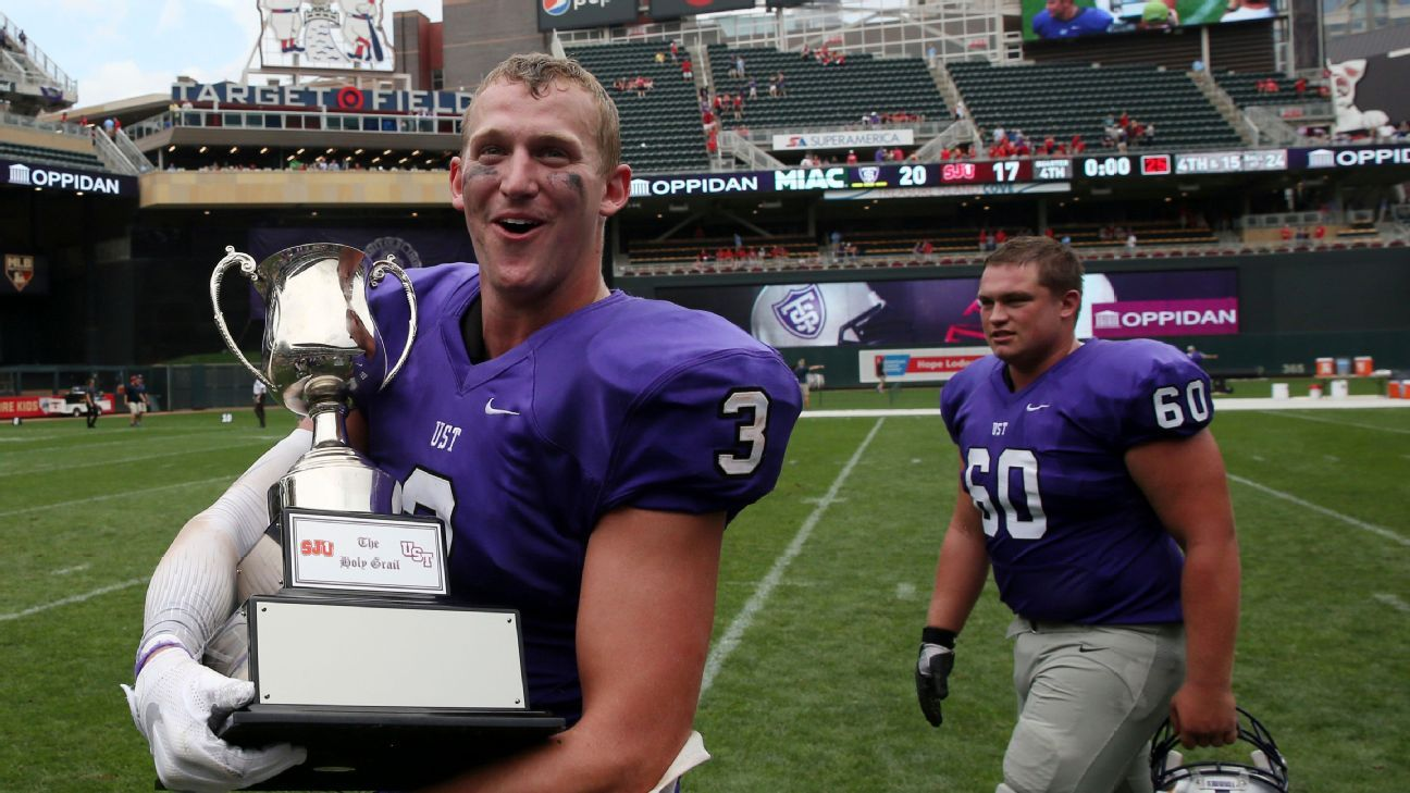 University of St. Thomas, booted for D-III success, gets Division I invite