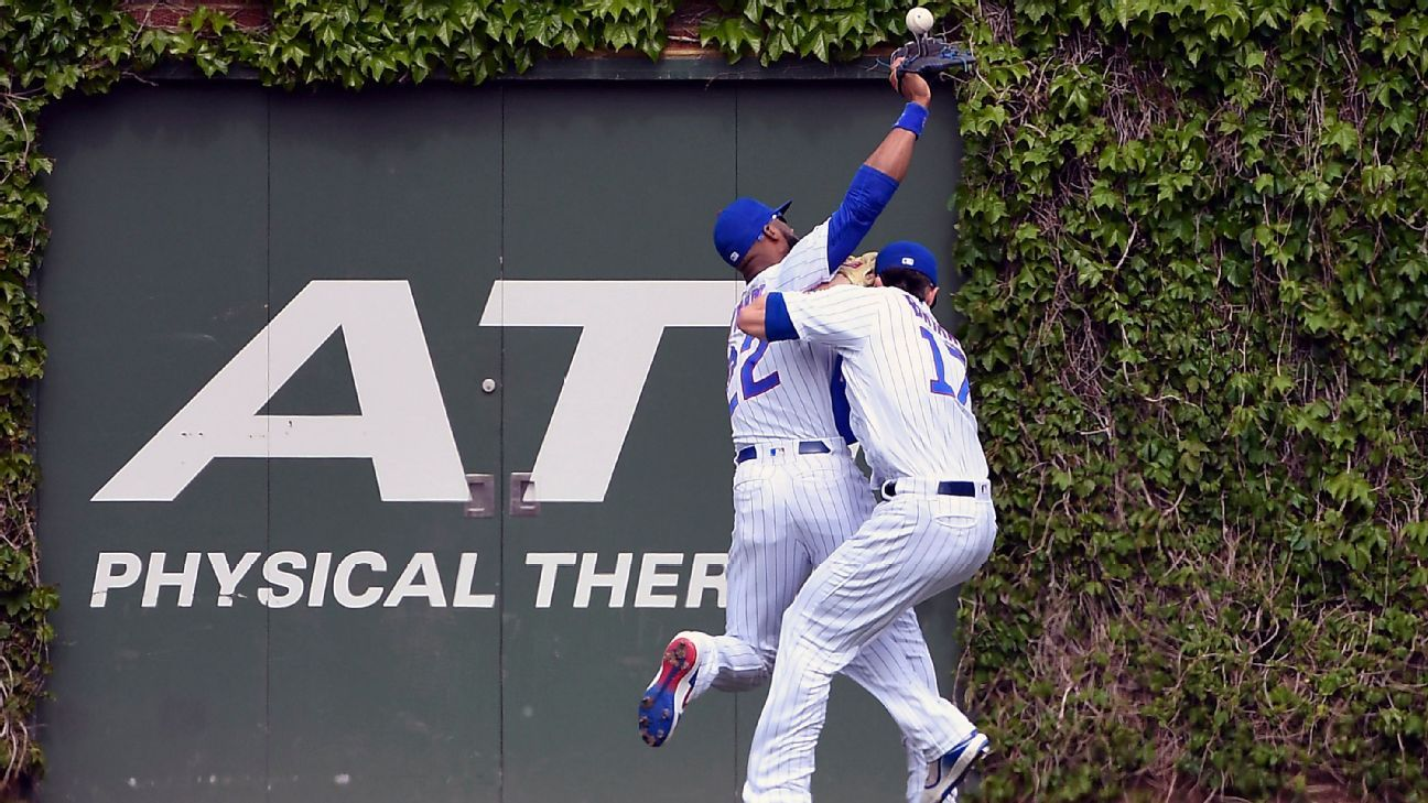 Cubs' Bryant leaves after colliding with Heyward
