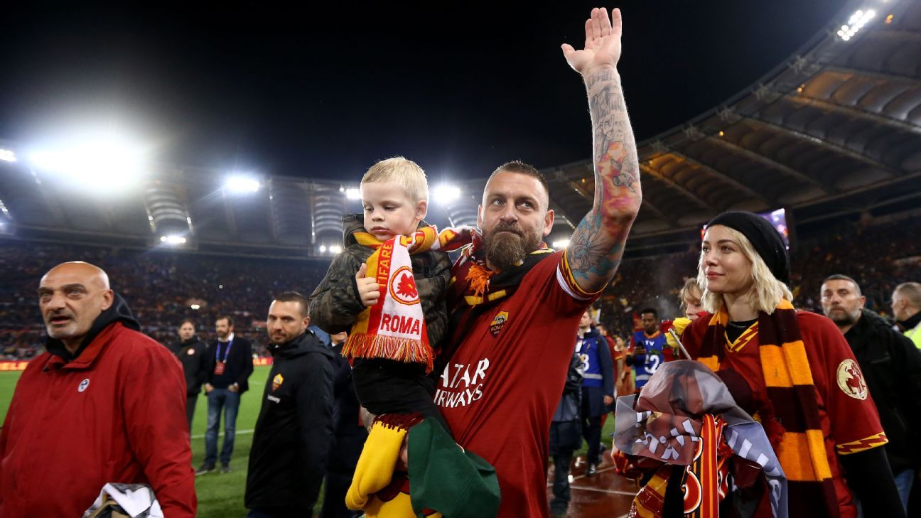 Image result for as roma celebrate de rossi