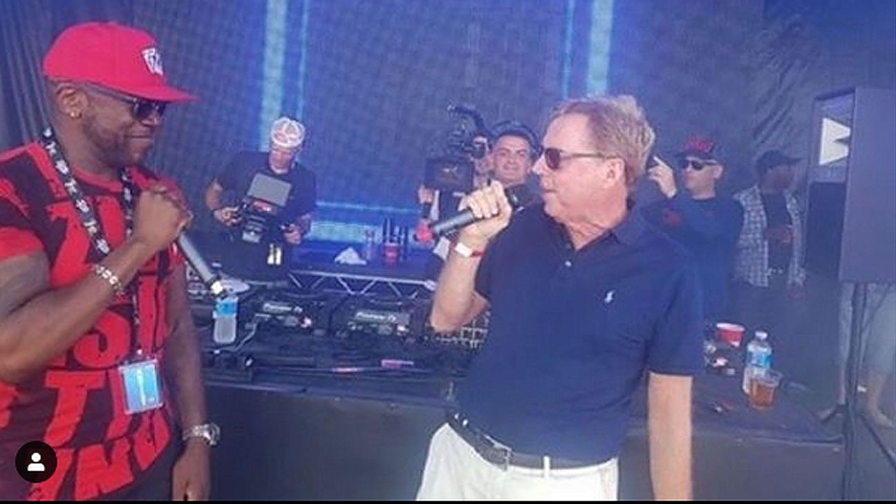 Toe Poke Daily: Harry Redknapp becomes UK garage star for the day