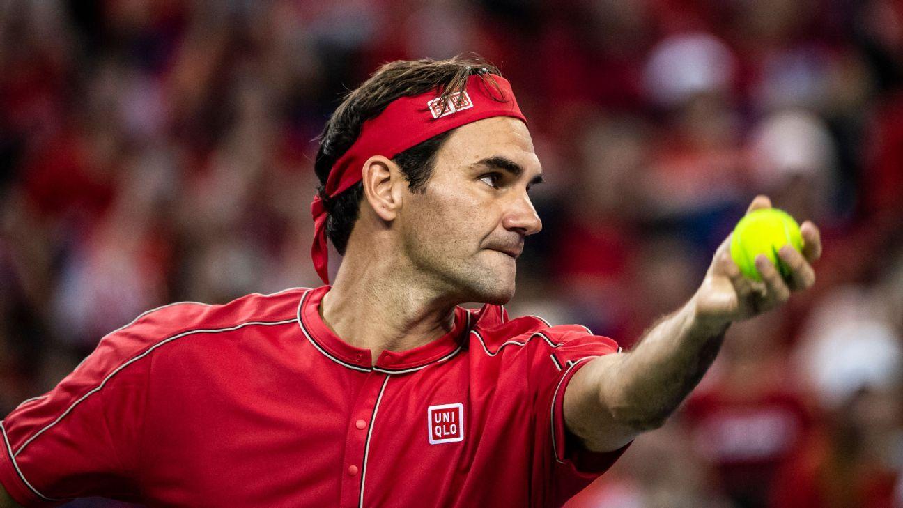 Roger Federer, Daniil Medvedev reach third round at Shanghai Masters