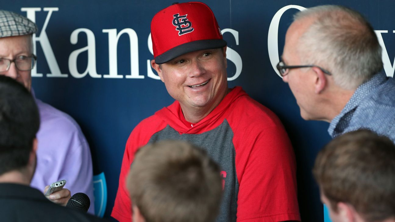 Mike Shildt edges Craig Counsell as NL Manager of the Year