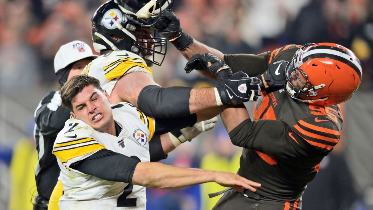 Source: NFL plans to fine about 10 players for leaving bench area during Steelers-Browns brawl