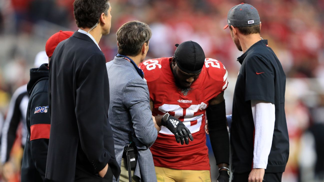 49ers RB Tevin Coleman has dislocated right shoulder