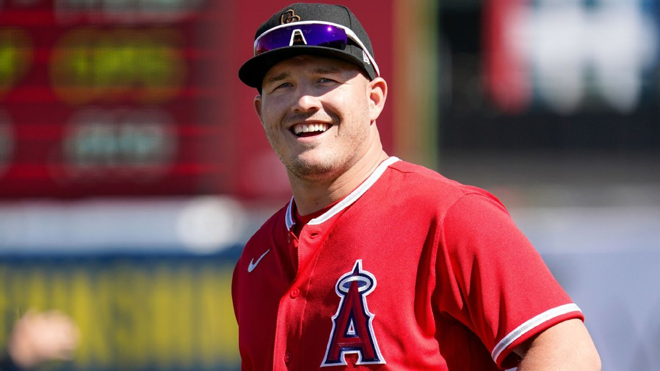 Baby Trout: Angels star, wife, welcome first child