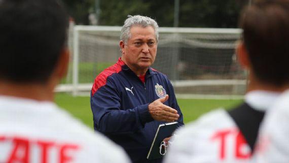 Debut de Vucetich garantiza cosecha de puntos para Chivas