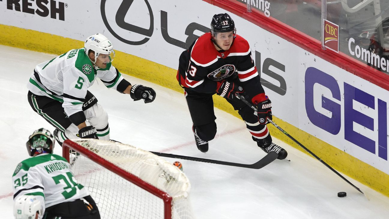 Sources: Knights get Janmark from Blackhawks thumbnail