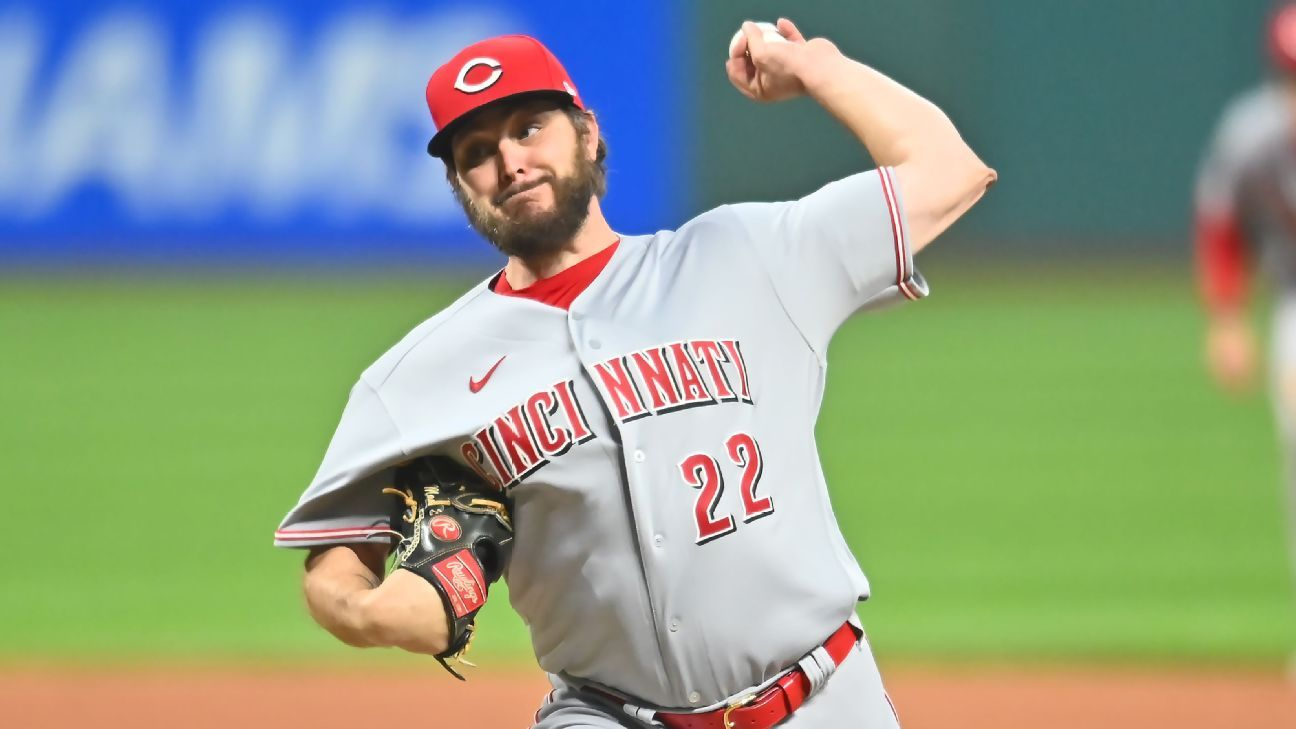 Reds' Miley no-hits Indians for MLB's 4th no-hitter