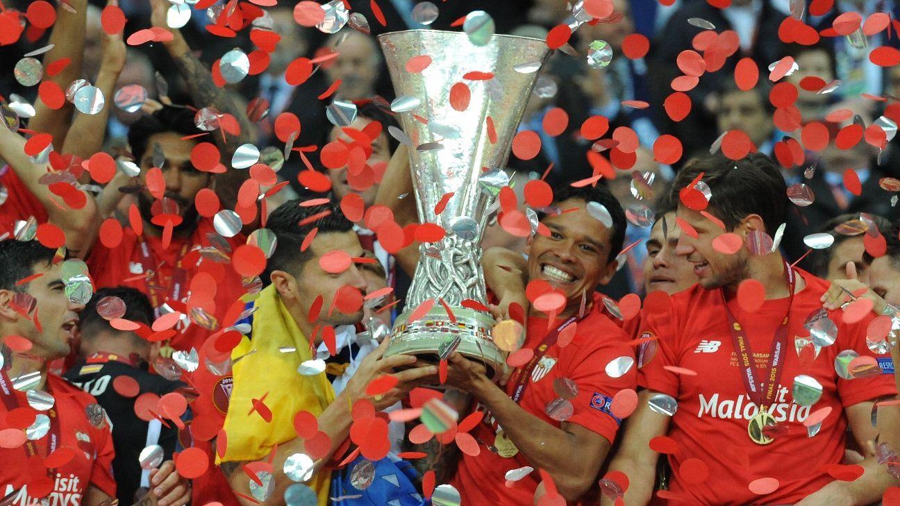 Hay final de Europa League y Bacca lo sabe: su historia en el torneo que ganó dos veces