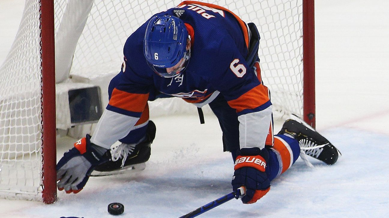 Defenseman Ryan Pulock stops shot with 'a special play,' as New York Islanders win, draw even at 2-2 with Tampa Bay Lightning - ESPN