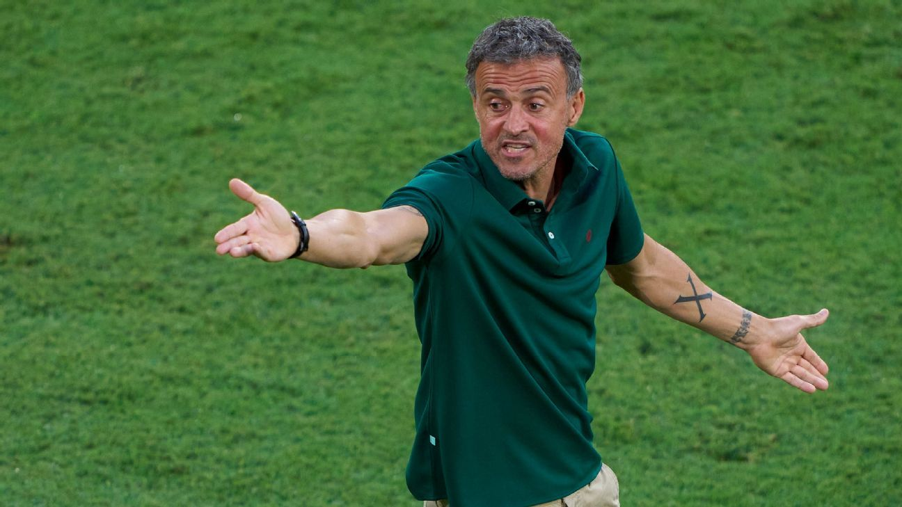 Luis Enrique needs to shake his stubbornness if Spain is going to make a run