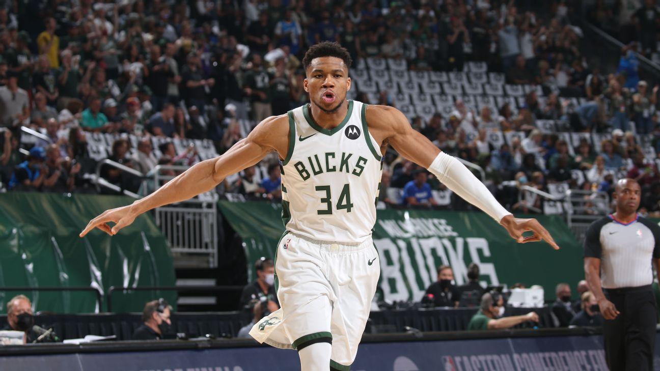 Nba Playoffs 2021 Giannis Antetokounmpo And Milwaukee Bucks Spinning And Posterizing Atlanta Hawks In Game 2