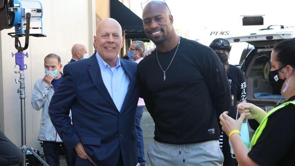 Former NFL star Vernon Davis models acting career after The Rock
