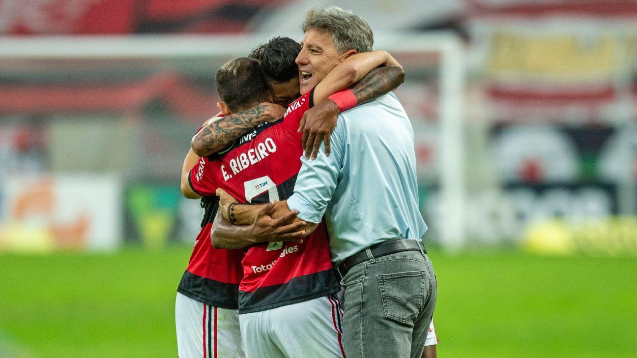 Renato Gaúcho celebra vitória do Fla e volta do público ao Maracanã: Seguindo protocolos, qual o problema?