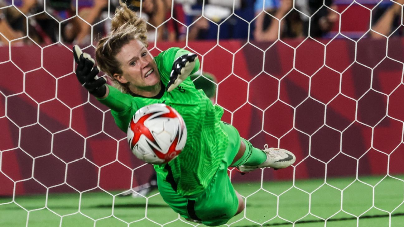 USWNT's Lavelle on win: Naeher saved us again