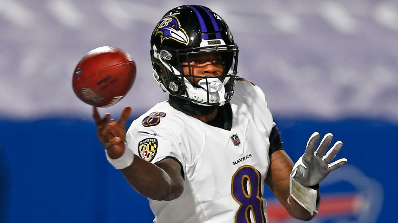 Baltimore Ravens in 'wait and see' mode with QB Lamar Jackson, who's dealing with a sore back