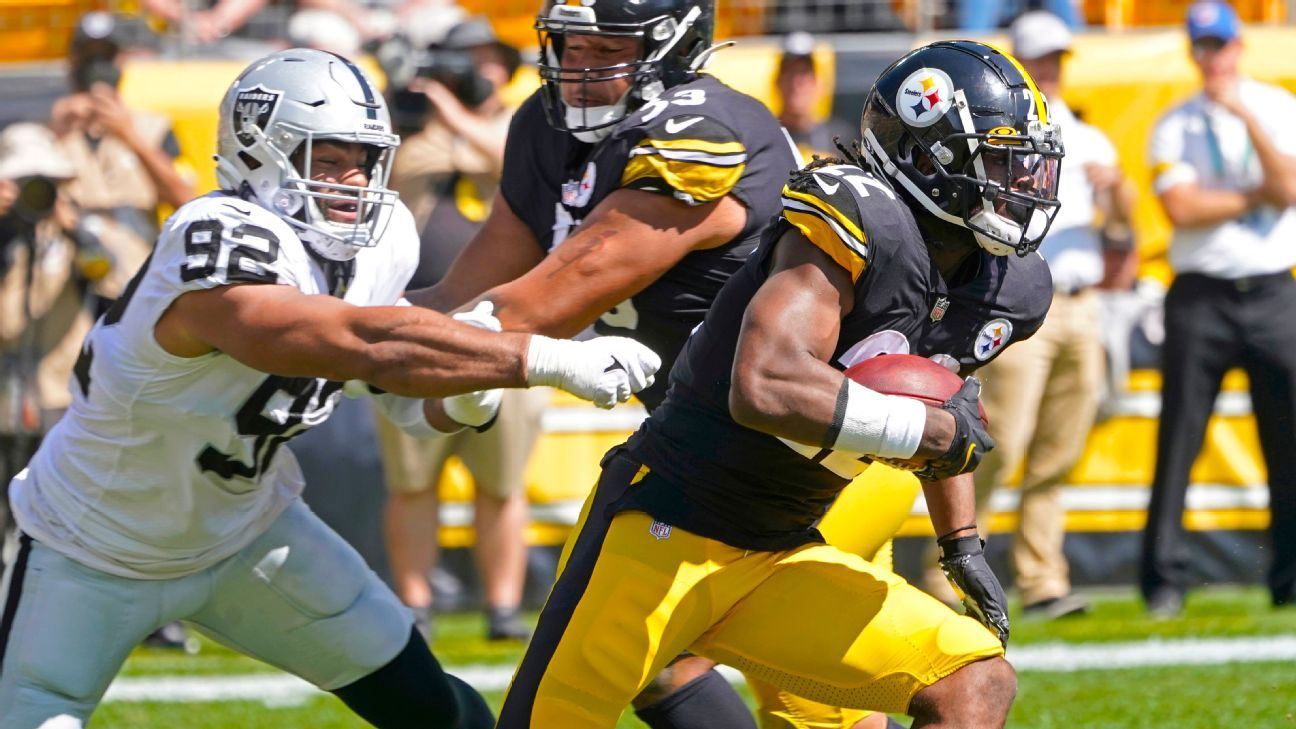 Steelers rookie Najee Harris announces presence with epic stiff-arm of Johnathan Abram
