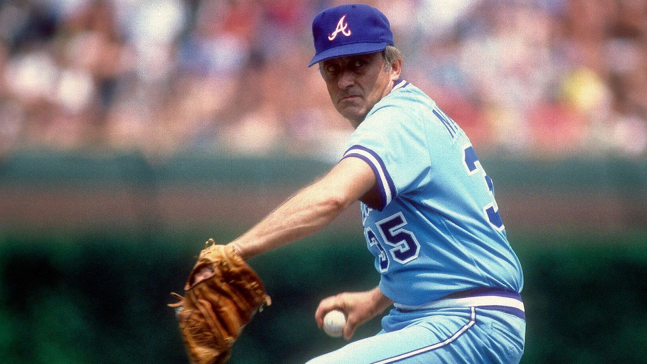 Hall of Fame pitcher Phil Niekro, known for his distinctive knuckle ball, dies at 81