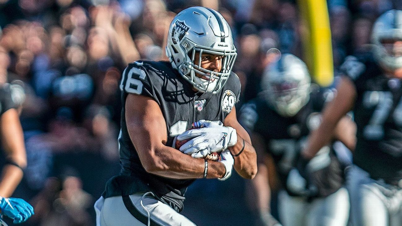 The Detroit Lions, former Las Vegas Raiders WR Tyrell Williams has reached an agreement, the source says