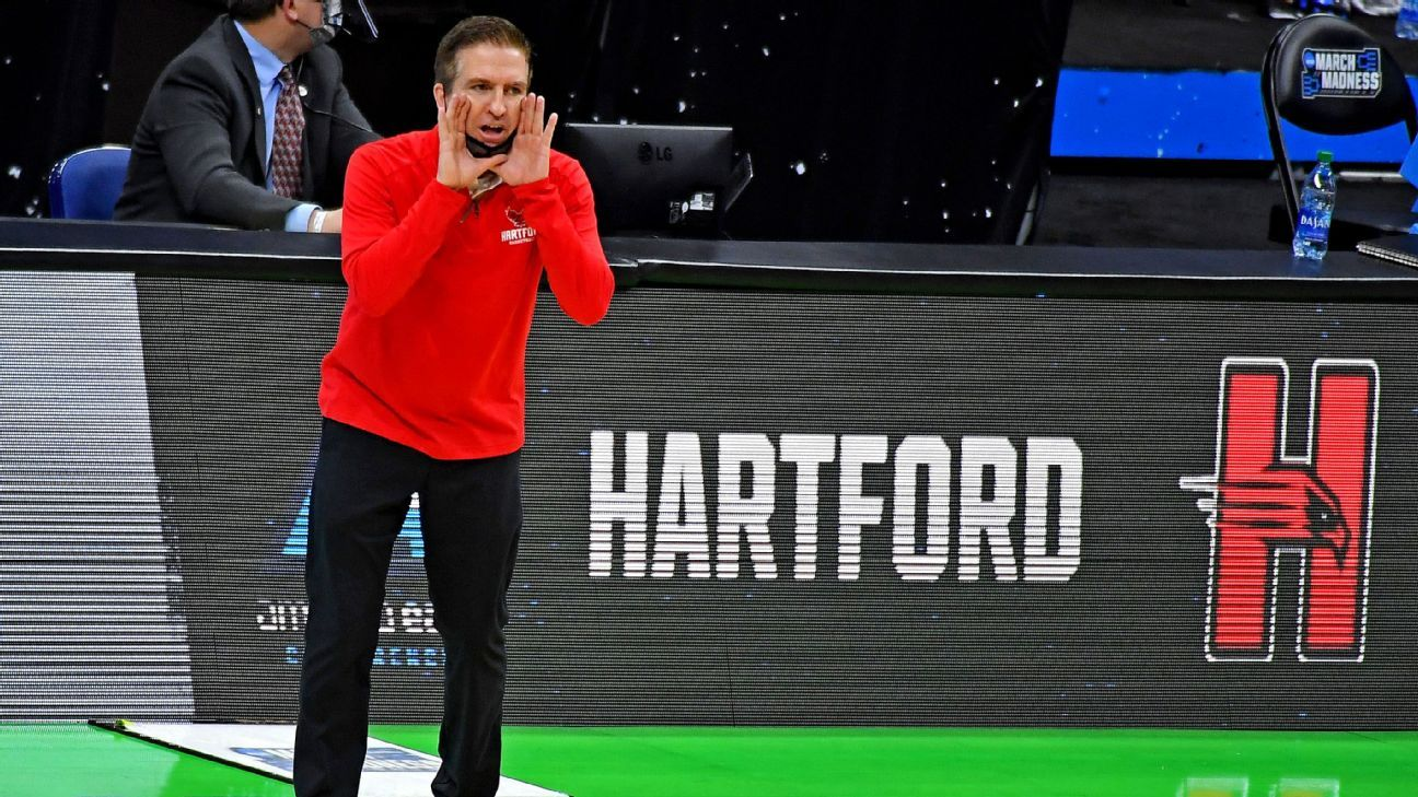 Hartford moving to DIII after making tourney